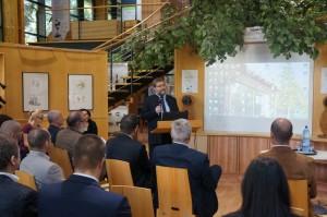 Dr. Katona György szakmai vezető a projekt nyitókonferenciáján (október 18.)