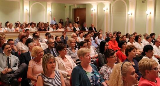 Közönség (Large)