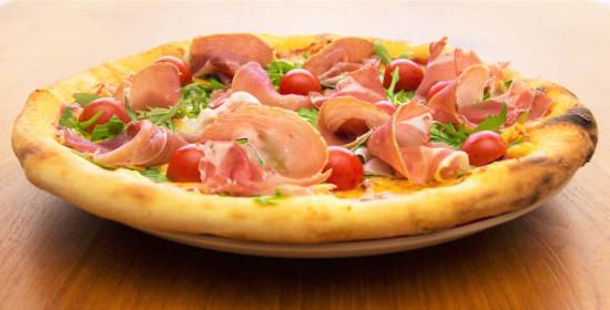 pármai-sonkás-pizza